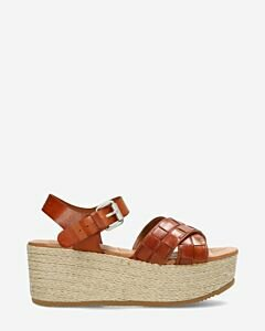 Espadrille with platform sole woven vacchetta leather cognac