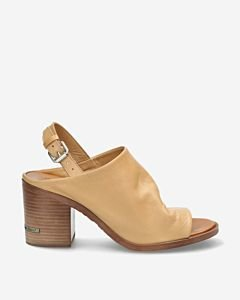 Sand-slipper-with-ankle-strap