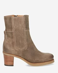 Heeled-ankle-boot-waxed-buffed-leather-taupe