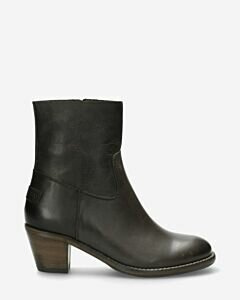 Ankle boot with zipper nappa leather black