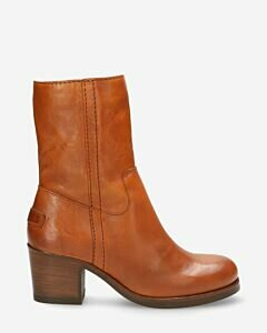 Heeled-ankle-boot-vegetable-tanned-smooth-leather-brown