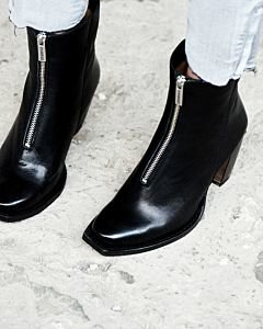 Ankle-boot-with-zipper-on-top-black