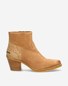 Light-brown-ankle-boot-suede-
