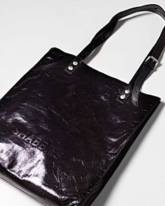 Black-tote-patent-leather
