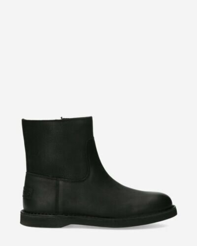 Lined ankle boot waxed structure leather black