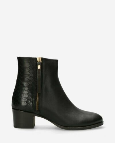 Ankle boot soft grain leather black