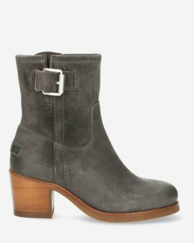 Heeled ankle boot waxed suede dark grey