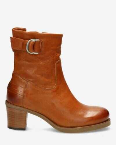 Heeled ankle boot smooth leather cognac