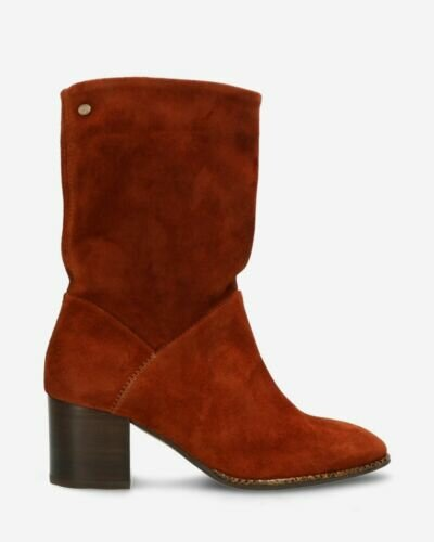 Heeled ankle boot waxed suede brique brown