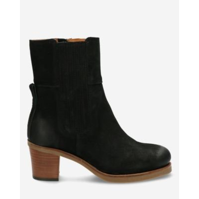 Heeled-ankle-boot-waxed-buffed-leather-black