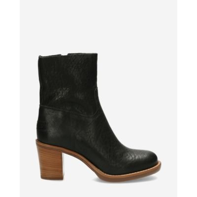 Heeled ankle boot grain leather black
