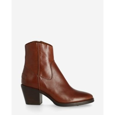 Ankle boot shiny grain leather cognac