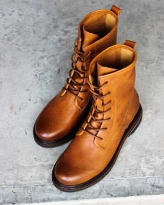 Lace-up-boot-cognac