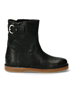 Black-ankle-boot-with-belt
