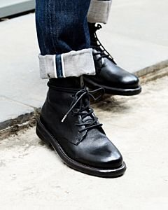 Leather-lace-up-shoe-black