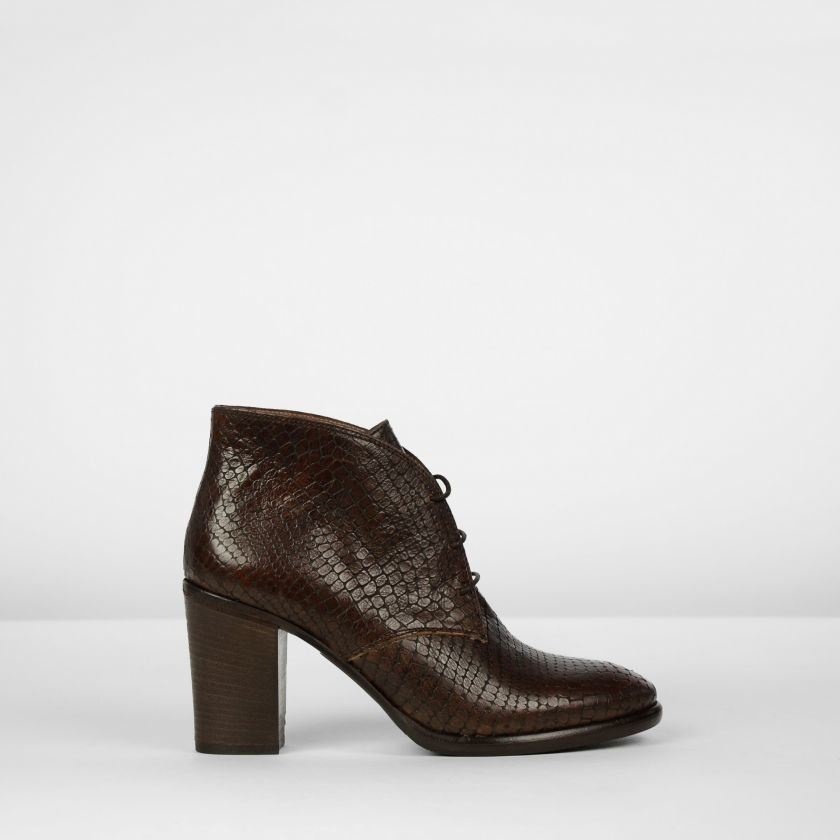 Lace-up-pump-printed-leather-Brown