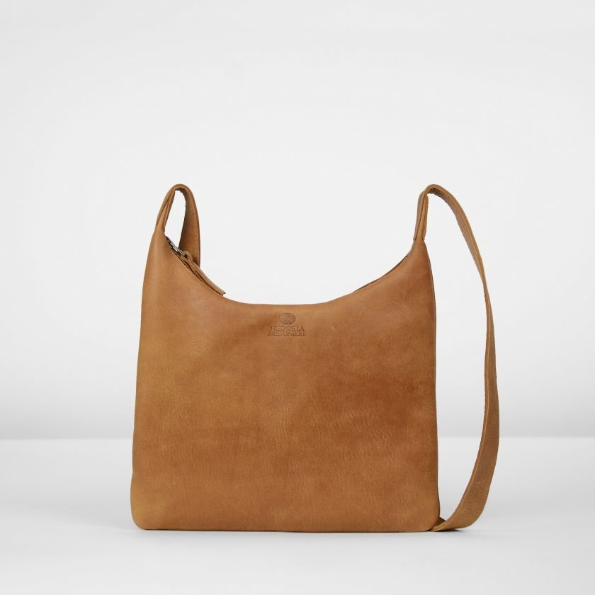 Shoulderbag-hand-buffed-leather-Cognac