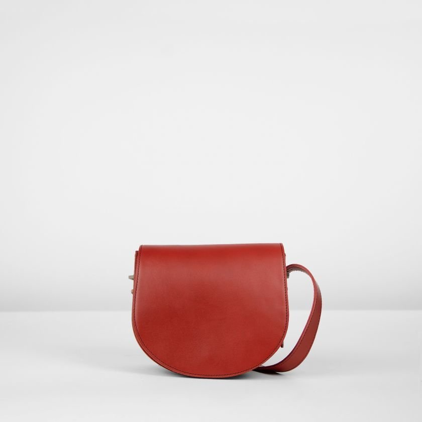 Shoulderbag-natural-dyed-leather-Red