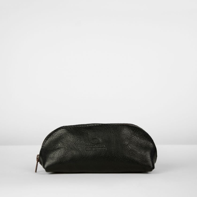 Toiletbag-natural-dyed-leather-Black