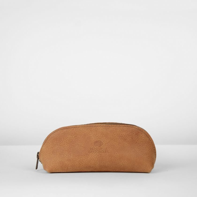 Toilet-bag-hand-buffed-leather-Cognac