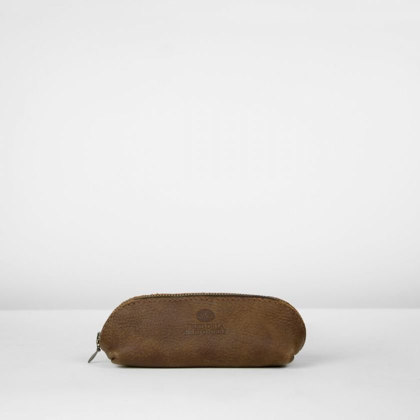 Toiletbag-hand-buffed-leather-Dark-Brown