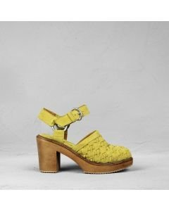 Sandalet-woven-suede-mustard-yellow