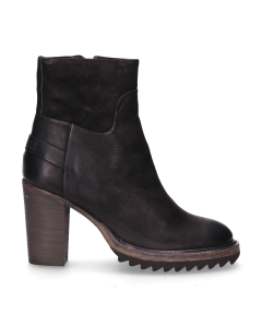 Heeled-ankle-boot-waxed-grain-leather-Black