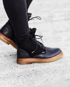 Lace-up-boot-waxed-grain-leather-double-face-Black-