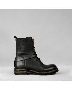 Ankle boot with laces waxed grain leather Black