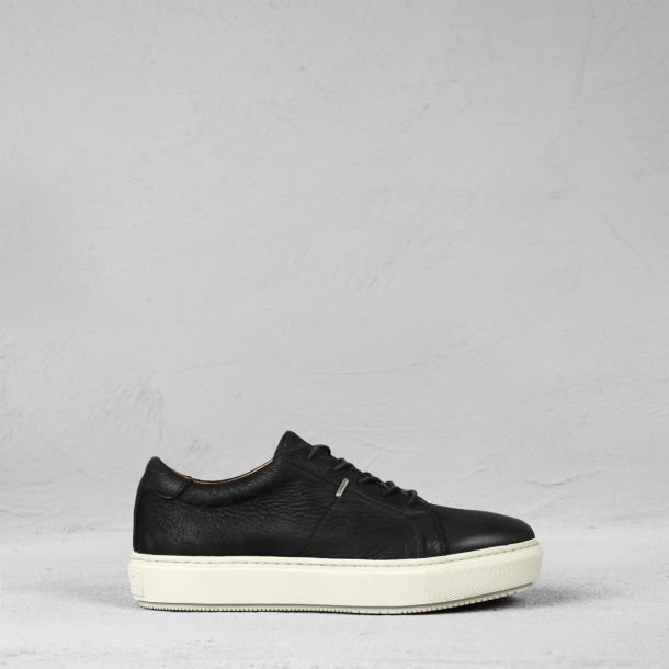Sneaker waxed grain leather Black