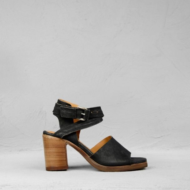 Sandalet-reversed-leather-black