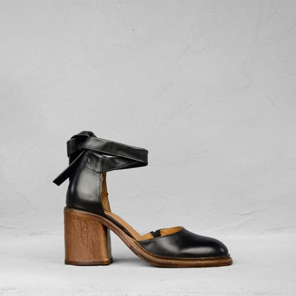 Sandalet-polished-leather-black