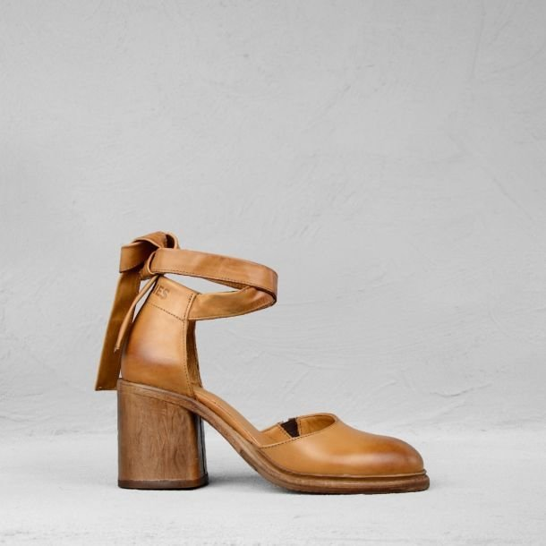 Sandalet-polished-leather-cognac