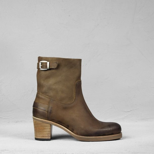 Ankle boot waxed grain leather Brown