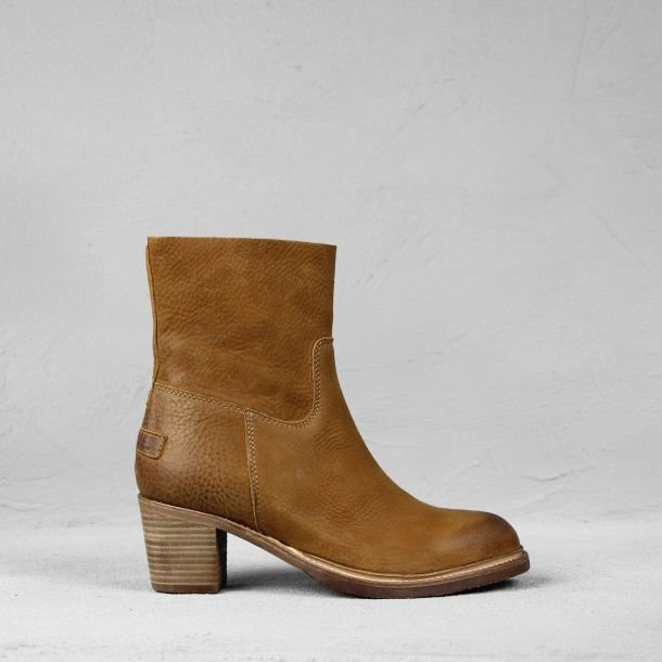 Ankle boot waxed grain leather Cognac