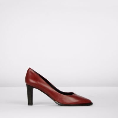 Pump-natural-dyed-smooth-leather-Bordeaux