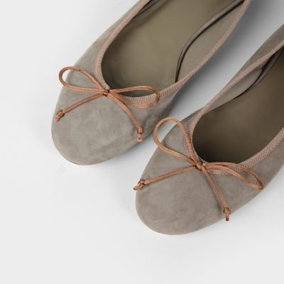 fred de la bretoniere ballerina grey suede 140010001 detail above