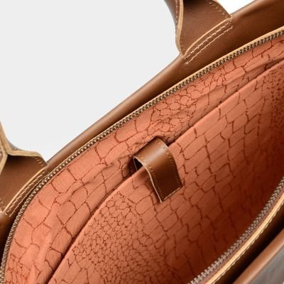 Laptop-bag-vegetable-tanned-leather-Brown
